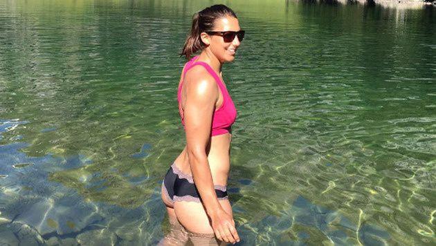 Wendy Holdener genießt den Sommer am See. (Bild: instagram ...