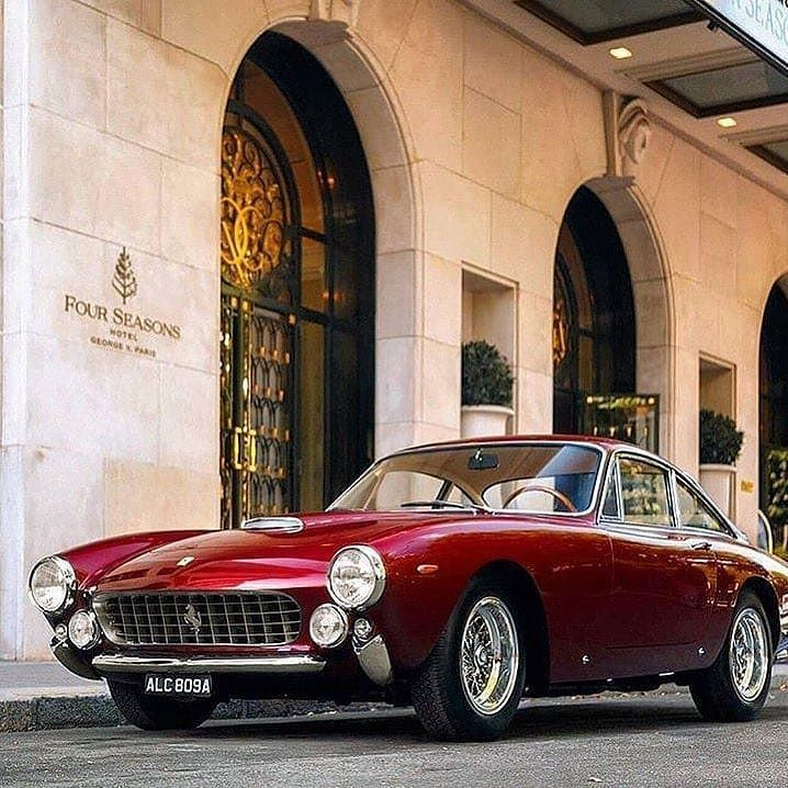 The Best Classic Cars And Motorcycles Life At Speed Thegentlemanracer Com The Gentleman Racer Was Started Over A Decade Ago By Michae Avec Images Ferrari Voiture Auto
