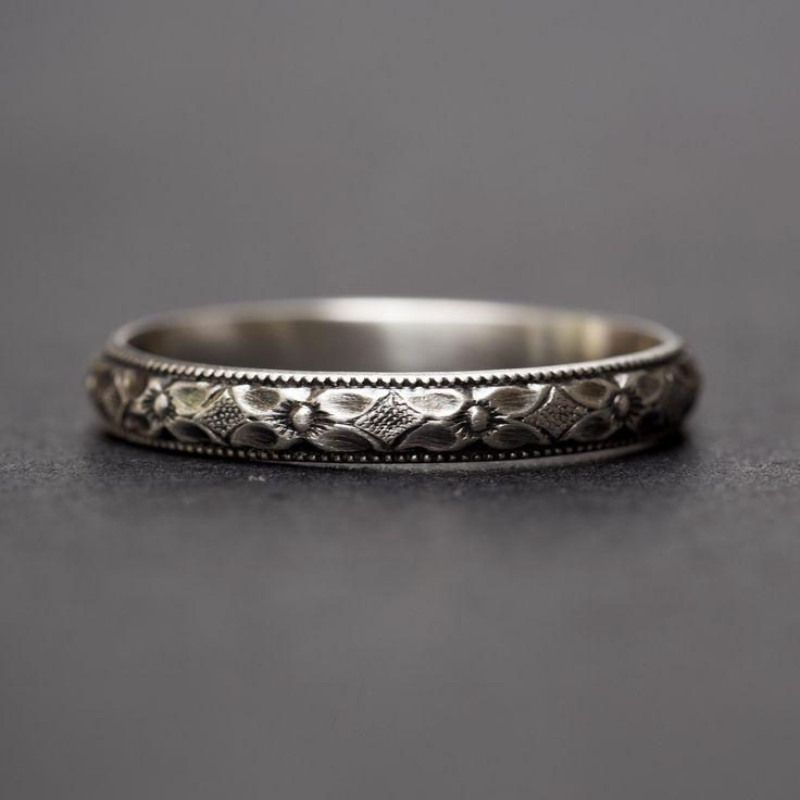 Stapelbare ringen, Sterling zilveren Ring, stapelen van ringen, zilveren ringen, zilveren ringen vrouwen, stapelen ringen zilver, sierlijke sieraden, sierlijke Ring door RebeccaCordingley op Etsy https://www.etsy.com/nl/listing/251136536/stapelbare-ringen-sterling-zilveren-ring