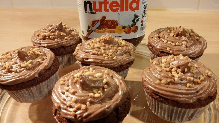 Nutellamuffins mit Nutella-Kern und Nutella-Frosting