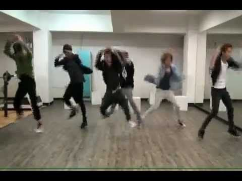 All dance practice vids should be as loud, obnoxious and hilarious as Teen Top's xD