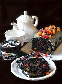 Plumcake nero con carbone vegetale e canditi