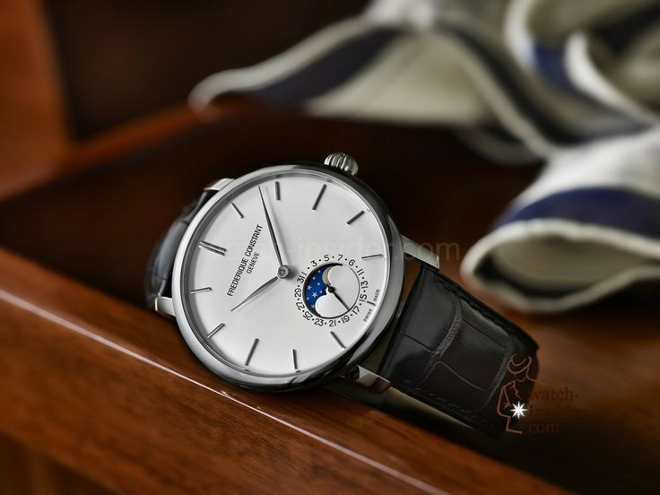 Frédérique Constant Slimline Manufacture Moonphase: A very good looking, (what do I write?), a stunning good looking (!) automatic watch with a moon phase indication. Equipped with the automatic in-house caliber FC-705. The price: 2450 Euro including 19 % of German VAT.