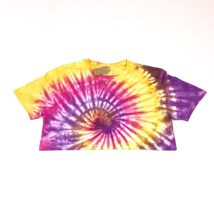 Cropped tie dye tshirt   Spiral, tie dye, tie dyed, sunset, colourful, custom tie dye, dyed, pink, yellow, purple, crop top