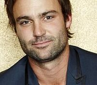 Mathew Le Nevez aka Dr Patrick Reid - Offspring - absolute HOTTNESS personified