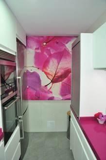 #cocinas Cocina Moderna Modelo Lisboa Seda Con Encimera De Silestone Color  Fucsia