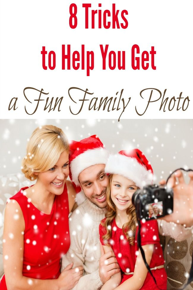 8 Tips to help you get a fun family photo this year - great doable ideas for holiday family photos