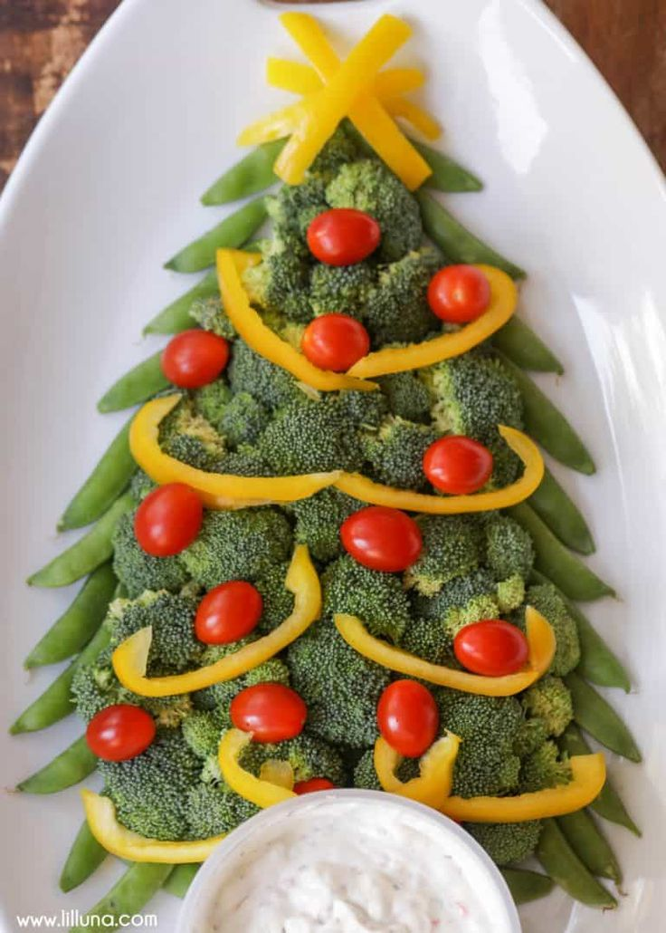 Christmas Tree Veggie Platter by Lil Luna and other great themed veggie tray ideas