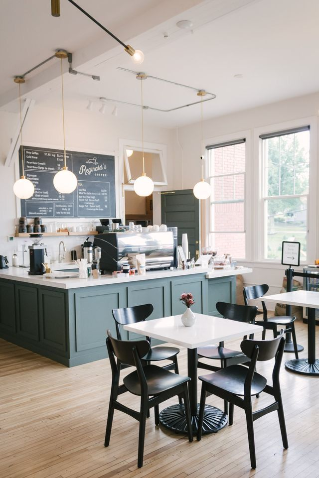 Pin By Joel Cardenas On Sicilia S Cakes In 2020 Cafe Interior Coffee Shop Interior Design Coffee Shop Decor