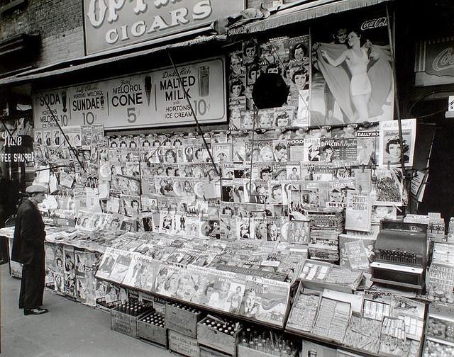newstand 35th and 3rd nyc 1935 : berenice abbott