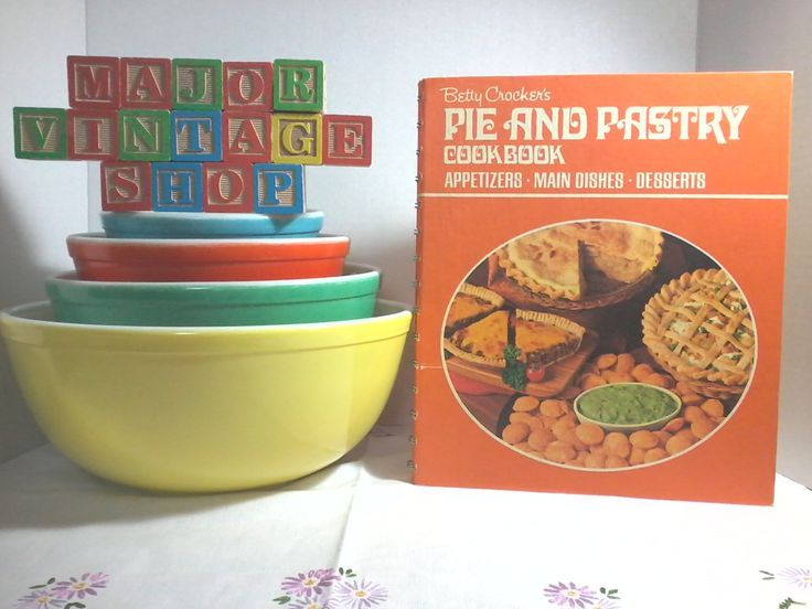 """Betty Crocker's """"Pie And Pastry"""" Cookbook by MajorVintageShop on Etsy"""