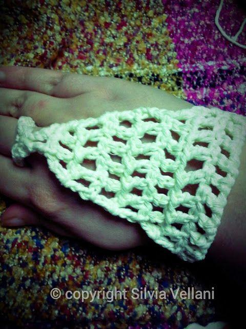 Marea di Leuko: Baciamano all'uncinetto realizzato in cotone crochet handkissing made by cotton