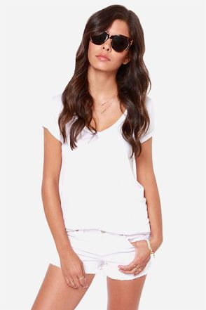 Dittos Misty Distressed White Cutoff Jean Shorts at Lulus.com!