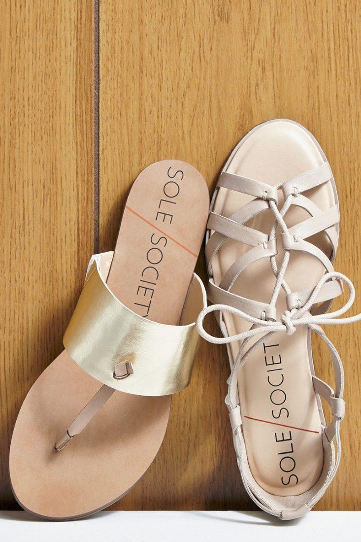 Versatile, neutral flat sandals. A summer essential.
