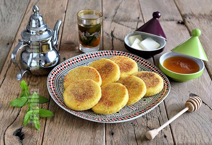 Harcha sunt un fel de painici marocane facute din gris de grau dur. Se mananca in general la micul dejun sau in perioada Ramadanului.