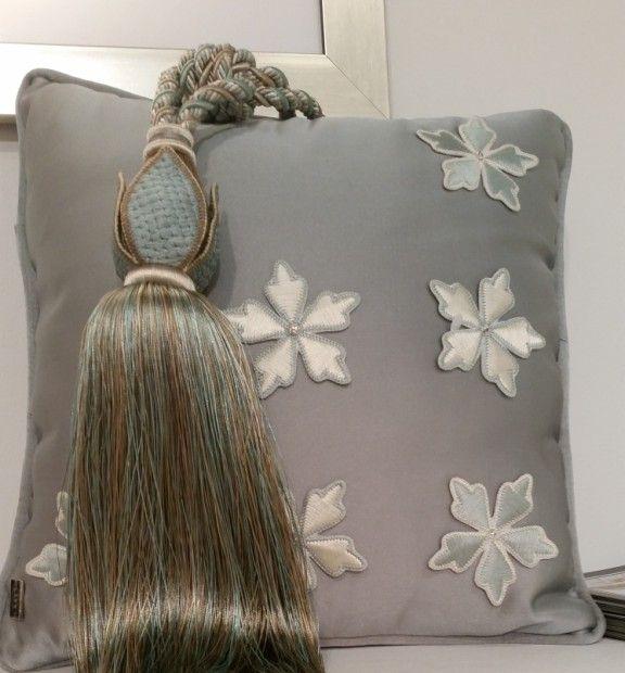 #heimtextile #embroidery #pillow