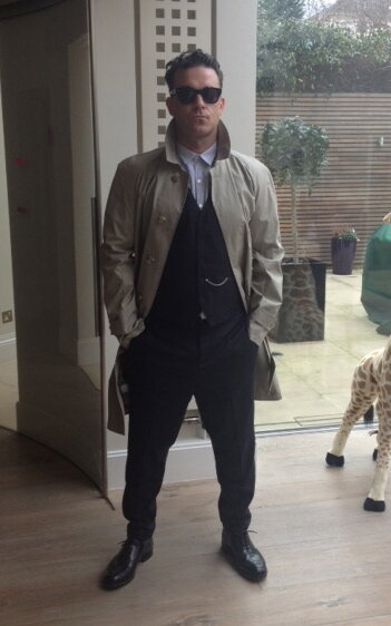 Rob in his new Farrell Riding Coat for the Berlin launch next wk. This or the Dispatch Coat? #farrellkadewe