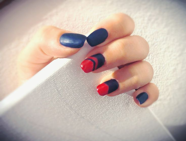 Dark blue & bloody red
