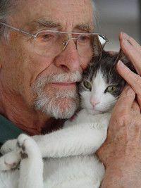 Chat et personnes âgées font bon menage