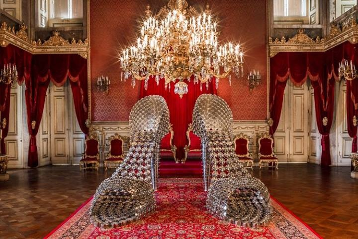 Expo by Joana Vasconcelos in the Palacio da Ajuda. This giant shoes are made of pots and pans.