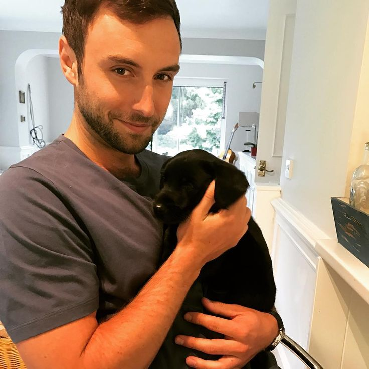 """Måns Zelmerlöw (@manszelmerlow) auf Instagram: """"Quality time with Rafa and his seven siblings."""""""