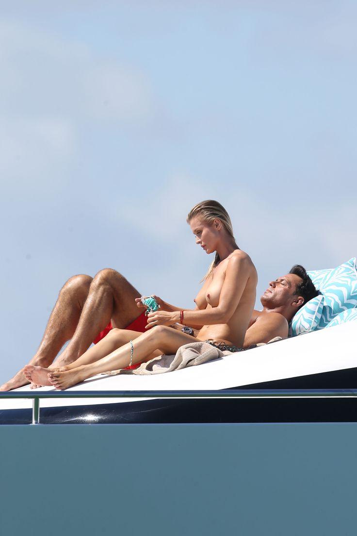 Joanna-Krupa-in-a-Bikini-Topless3.jpg (2400×3600)