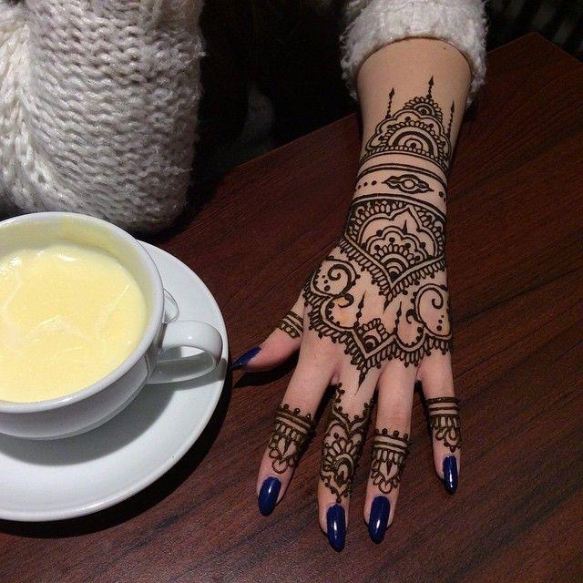 #hennajourney #hennabucuresti #hennaart #hennatattoo #henna #bodyart #hennahands