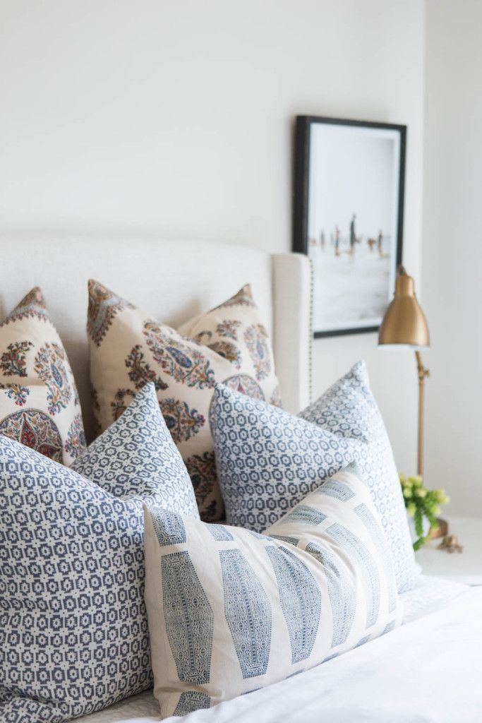 Love it when pillows can have such unique, different patterns and still work so well together!
