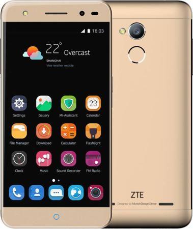 ZTE Blade V7 lite (золотистый)  — 9990 руб. —  БИОМЕТРИЧЕСКАЯ ИДЕНТИФИКАЦИЯ ПОЛЬЗОВАТЕЛЯ Для обладателя смартфона Blade V7 Lite доступна дополнительная защита персональных данных благодаря встроенному датчику отпечатка пальца. Используя этот сенсор, пользователь может не только разблокировать смартфон при помощи своего отпечатка, но и закрыть им доступ к отдельным файлы, приложениям и т.д. СТИЛЬНЫЙ ПРАКТИЧНЫЙ ДИЗАЙН Корпус смартфона изготовлен из прочного и легкого авиационного алюминия…