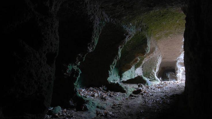 Morranaccio Grotta delle 36 Nicchie Ingresso Light Chamber Le Passeggiate di Etruscan Corner