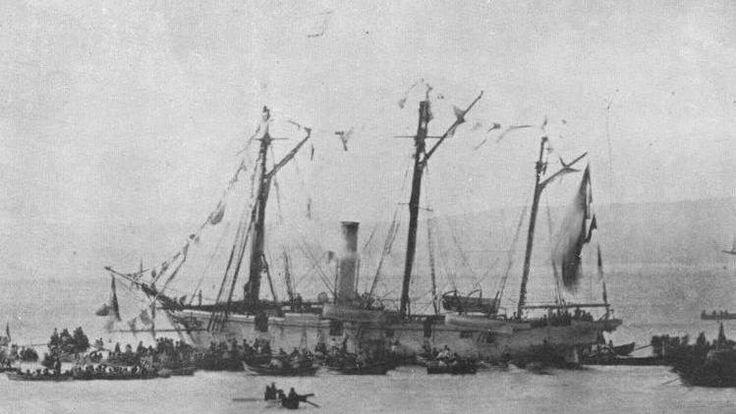 Recepción triunfal de la Goleta Covadonga en Valparaiso, luego de vencer a la Fragata Blindada Peruana Independencia, el 21 de Mayo de 1879, en Punta Gruesa.