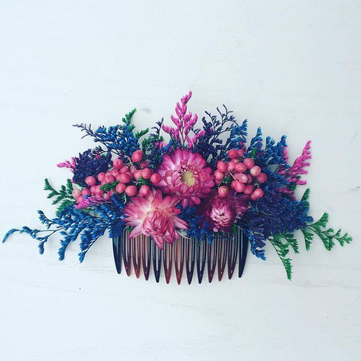 Dried Brights hair comb ❤️ #folkydokey #driedflowers #driedflower #driedflowercomb #boho #bohobride #bohochic #bohemian