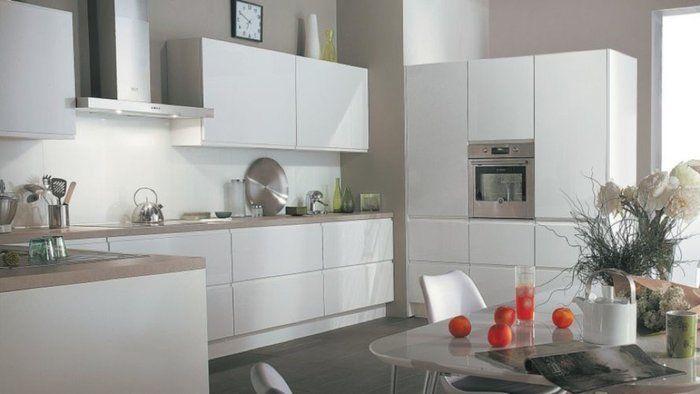 cuisine marron et blanc 02bc000007392203 photo cuisine blanche mur taupe plan de