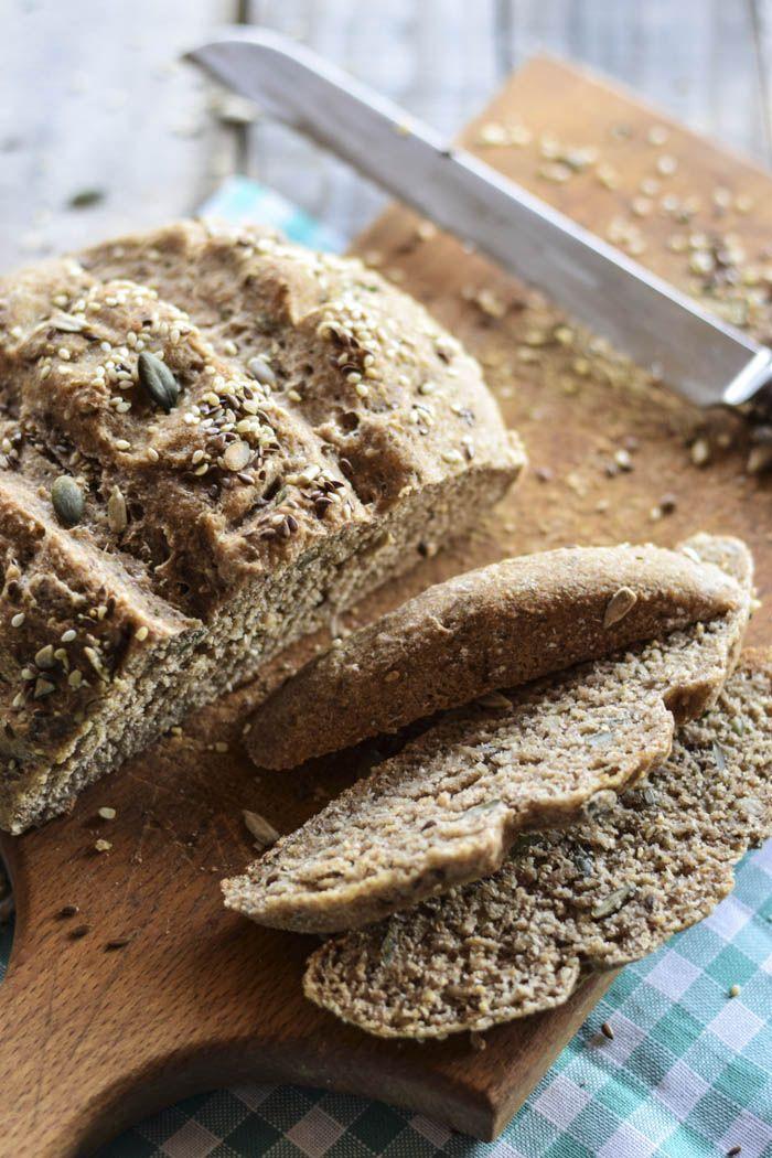 Pane alla farina di avena e semini misti