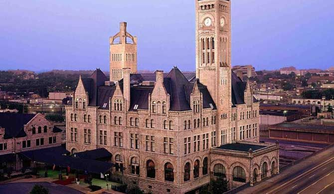 Union Station Hotel, Autograph Collection Revisit the excitement and anticipation of turn-of-the-century travel at the Union Station Hotel, Autograph Collection, in downtown Nashville, a stunningly restored, 100-year-old railway station    ... #Hotel  #Travel #Backpackers #Accommodation #Budget
