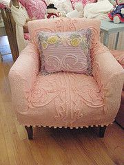 Chenille Chair: Vintage Chenille, Chenille Slipcover, Chenil Slipcovers, Chenil Bedspreads, Cottages Bedrooms, Chenille Bedspreads, Pink Bedrooms Shabby Chic, Pretty Pink Chairs, Shabby Chic Chairs