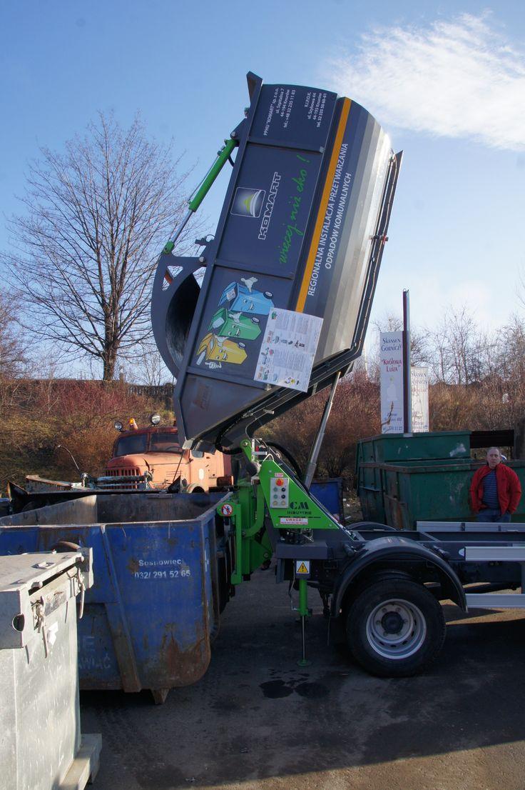 Wyładunek odpadów z śmieciarki KVC do kontenera KP7