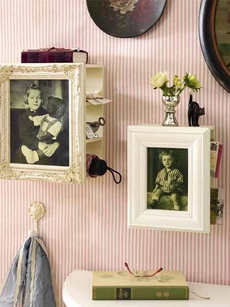 Geschickte Aufbewahrung zum Selbermachen: Dieser Bilderrahmen dient auch noch als Mini-Regal!