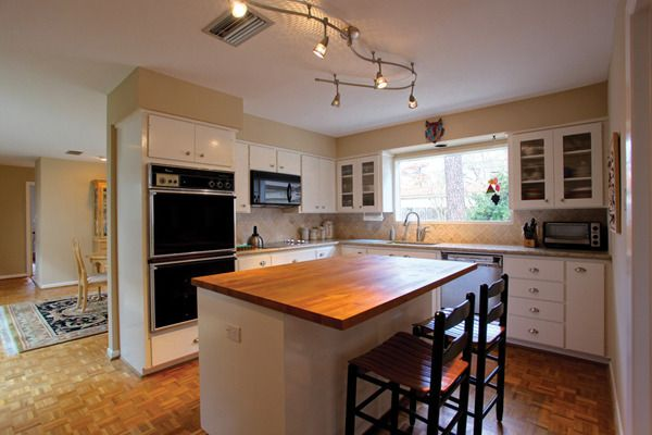 3 Reasons To Choose The Decorative Track Lighting For Kitchen With Fixtures