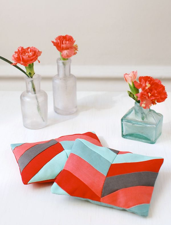 Make Gorgeous Lavender and Rose Sachets for Mother's Day | Crafttuts+ #FreeTutorial #Quilting