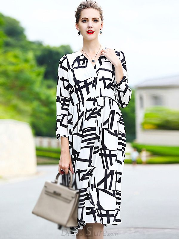 Buy Elegant Digital Print Loose Shift Dress with High Quality and Lovely Service at DressSure.com