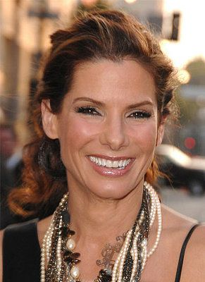 How To Sandra Bullock S Tousled And Teased Ponytail