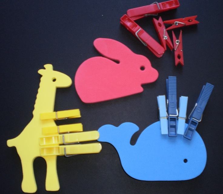 #infantil #P3 Discriminació de colors amb agulles d'estendre.