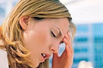 """Migréna - z napätia. Zbytečně vše neplánujte, jen prostě žijte!!!! Tolik vše neřešte a nepitvejte to co nemusíte. Zbytečně vám to bere energii a mozek máte předimenzovaný zbytečnostmi. Plujte spontálně, vypněte se na chvíli a věřte, že tím, že se budete dopředu stresovat a vymýšlet různé scénáře si stejně nepomůžete. Věřte životu a sobě, že to nějak """"dobře vše dopadne"""". To Vám migréna vzkazuje."""