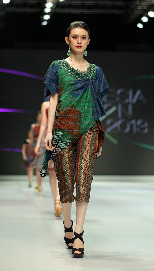 IFW 2013 # 51 Dewi Syifa – Shade You and Me about Life