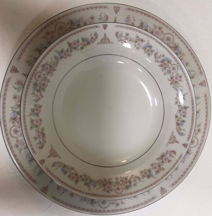 Made in China Dinnerware Set for 8 , 24 Pieces Tan Design Blue & Pink Flowers