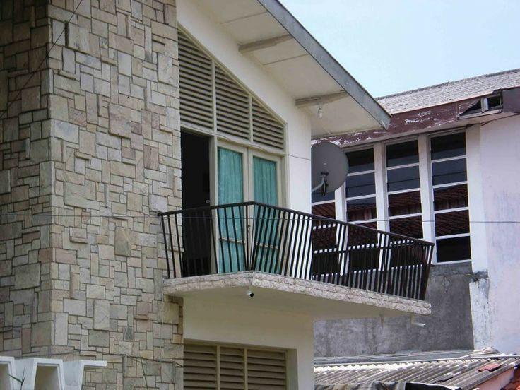 Balkon pada rumah jengki