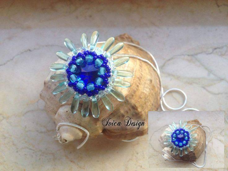 Camelia pendant <3 My pattern :-)!! Follow me on my facebook page:https://www.facebook.com/IvicaDesign/ Buy my jewelry on:  https://porteka.com/hu/ivica