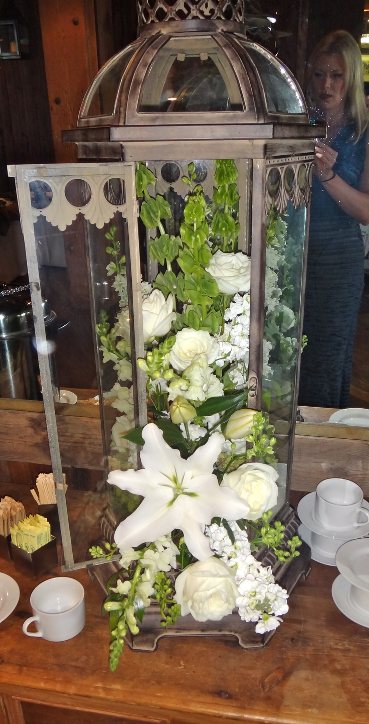 Lantern flower arrangement | Fall outdoor wedding ideas ...