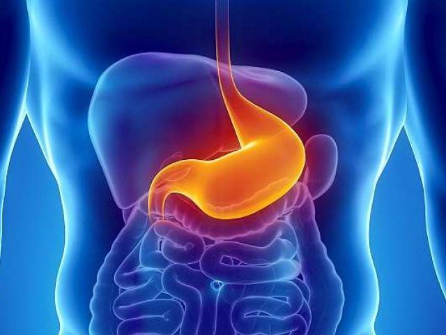 Aiutiamo lo stomaco e la digestione per evitare l'acidità. Ecco cosa mangiare